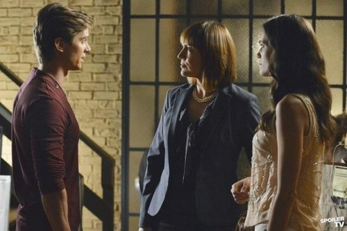 Pretty Little Liars - Episode 3.04 - Birds of A Feather - Promotional Foto