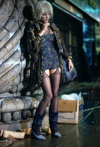 Blade Runner hình nền with a hip boot called Pris