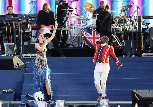 Queen's Diamond Jubilee Concert At Buckingham Palace In London [4 June 2012]