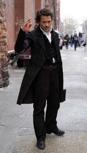 Robert as Holmes - robert-downey-jr Photo