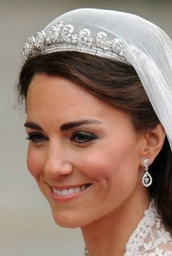 Royal-Tiaras-the-british-royal-family-fashion-31001482-241-359.png