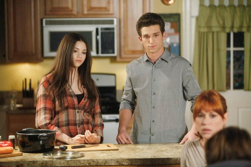 The Secret Life of the American Teenager Hintergrund called S4 Ep. 23