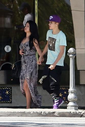 Selena - In Calabasas with Justin Bieber - May 27, 2012