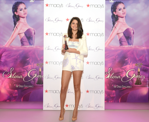 Selena - Perfume Launch at Macy's in New York - June 09, 2012