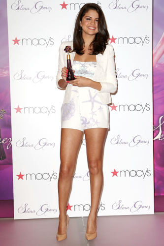 Selena - Perfume Launch at Macy's in New York - June 09, 2012 - selena-gomez Photo