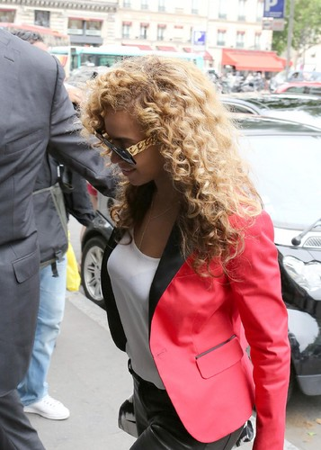 Shopping At La Maison De La Truffe In Paris [6 June 2012] - beyonce Photo