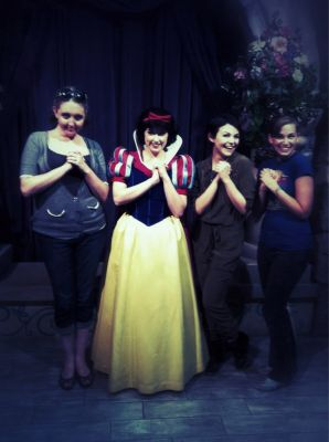Snow White meets.... Snow White!