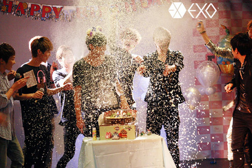 Tao&#39;s birthday and EXO-M <3