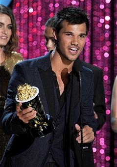 Taylor at 2012 MTV Movie Awards