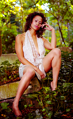 The Beautiful Angel Coulby: Countering the Sausage Factor Spam LOL (2)