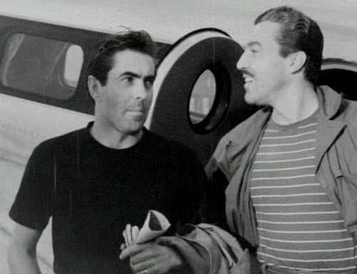 http://images5.fanpop.com/image/photos/31000000/Tyrone-Power-Cesar-Romero-tyrone-power-31085295-500-384.jpg
