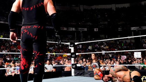 ডবলুডবলুই Raw Punk vs Kane