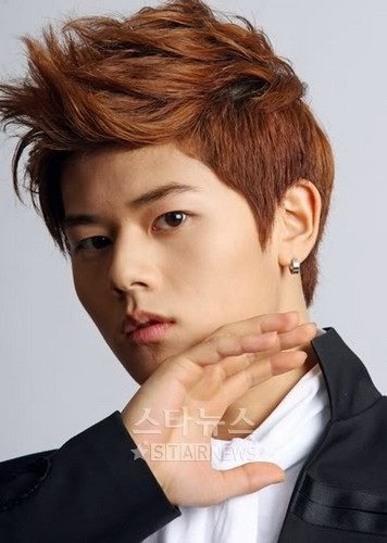 Ze:a maknae Dongjun