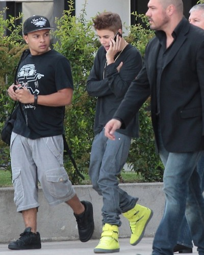 justin bieber,today ,paris, 2012