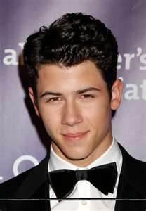 Nick Jonas karatasi la kupamba ukuta entitled nick jonas