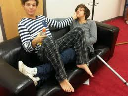 wake up Harry - one-direction-bromances Photo