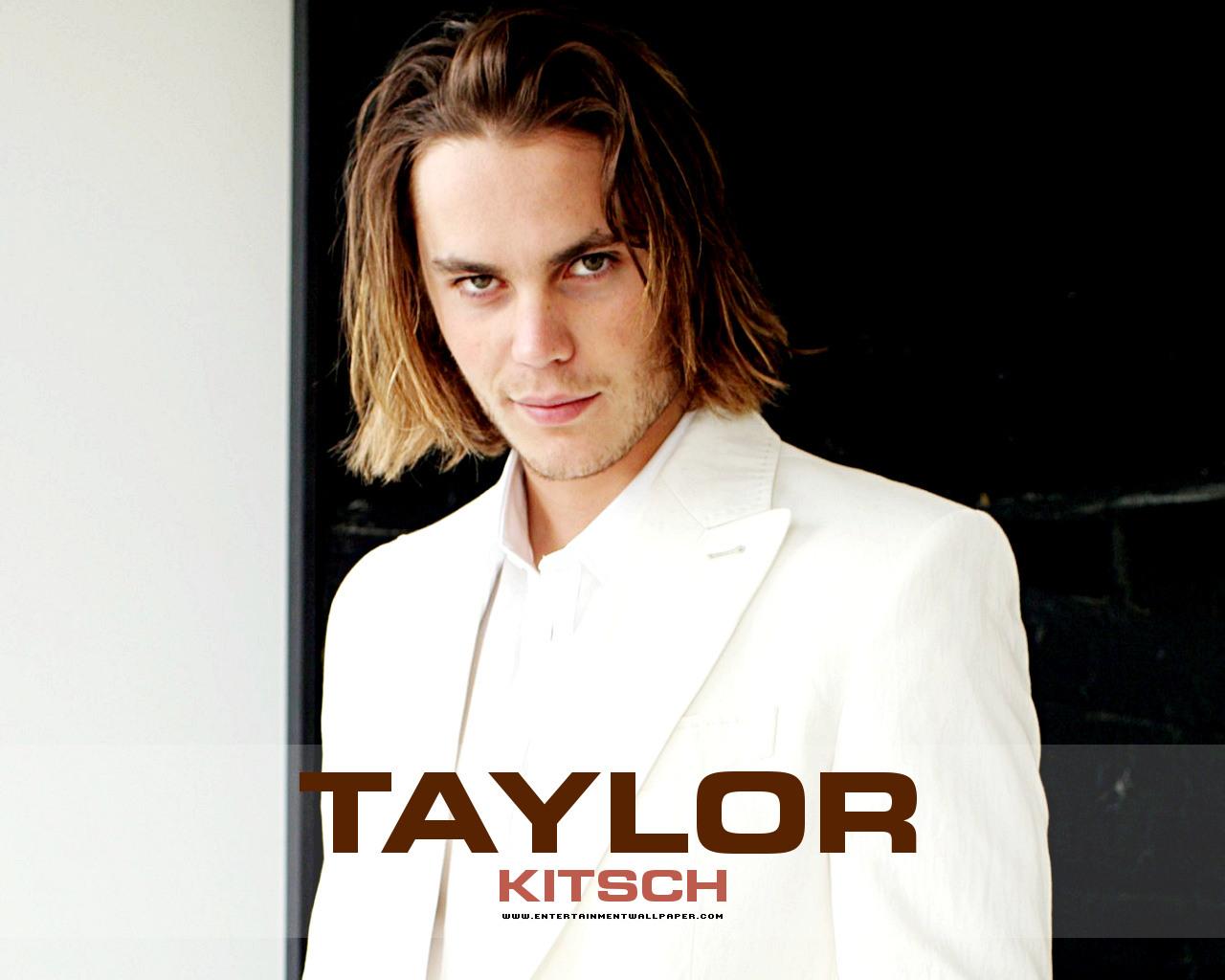 ♥♥♥♥Taylor Kitsch ♥♥♥♥