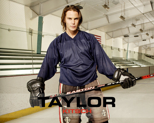 Taylor Kitsch wallpaper titled ♥♥♥♥Taylor Kitsch ♥♥♥♥