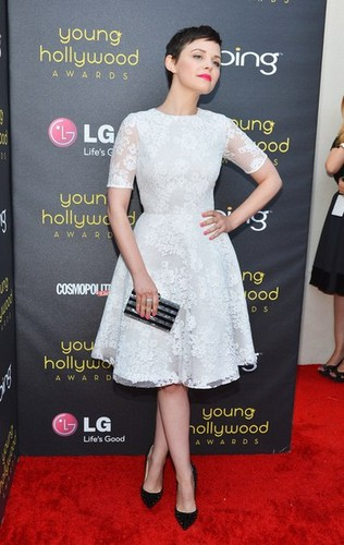 14th Annual Young Hollywood Awards Presented द्वारा Bing