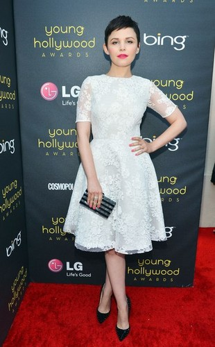 14th Annual Young Hollywood Awards Presented によって Bing