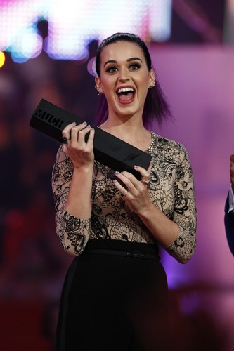 Katy Perry wallpaper possibly with a cleaver called 2012 Much Music Video Awards In Toronto [17 June 2012]