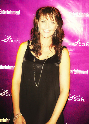 Amanda Tapping wallpaper possibly with a concert titled Amanda Tapping