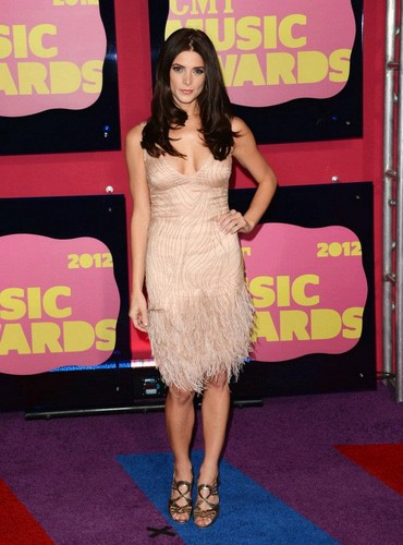 Ashley at CMT Music Awards - twilight-series Photo