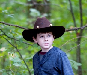 Chandler Riggs wallpaper with a snap brim hat, a fedora, and a campaign hat called Carl grimes