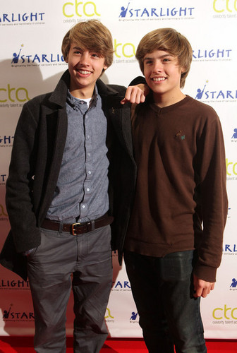 Cole Sprouse वॉलपेपर with a well dressed person and a business suit titled Cole ♥