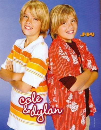 Cole Sprouse वॉलपेपर possibly containing a कीमोनो, किमोनो called Cole ♥
