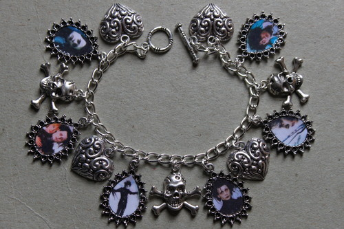 Edward Scissorhands charm bracelet - edward-scissorhands Fan Art