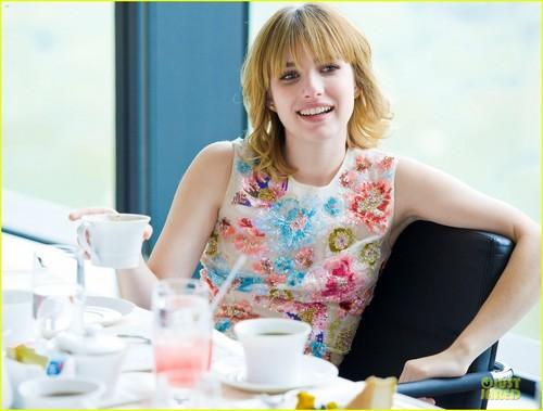 Emma Roberts: 'Seventeen' Pretty Amazing Luncheon!