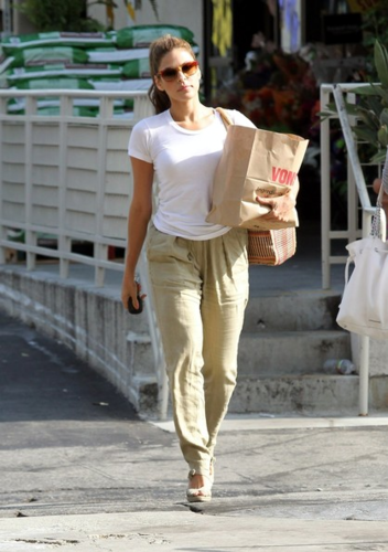 Eva Mendes images Eva - Goes for a grocery run in Los Angeles - June 15, 2012 wallpaper and background photos