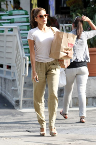 Eva - Goes for a grocery run in Los Angeles - June 15, 2012 - eva-mendes Photo