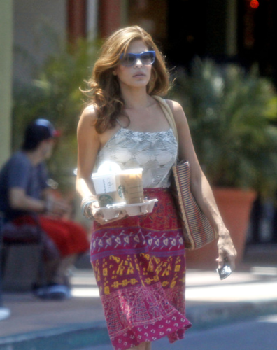Eva - Leaving a Starbucks in Studio City, CA - June 10, 2012