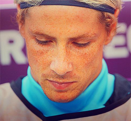 Fernando Torres پیپر وال entitled Fernando<3