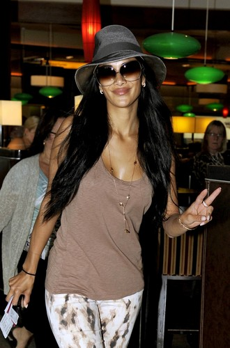 Flies Out Of Heathrow Airport On Her Way To Newcastle [17 June 2012]
