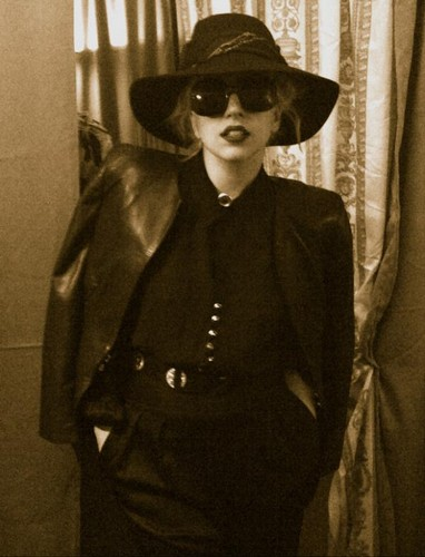 Gaga in her dressing room in Brisbane - lady-gaga Photo