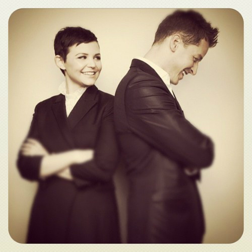 Once Upon A Time fond d'écran containing a business suit and a suit entitled Ginnifer&Josh <3