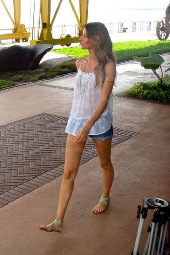 Gisele Bundchen at her fotografia shoot in North Brazil