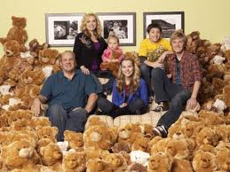 Good Luck Charlie karatasi la kupamba ukuta with a popcorn and a popcorn titled Good Luck Charlie Cast
