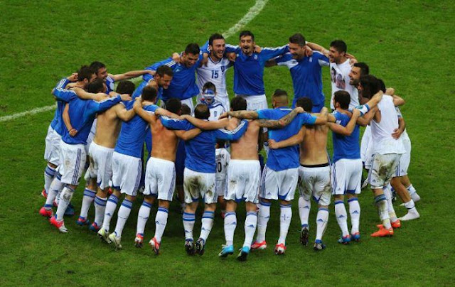 "Greece is in the oben, nach oben ""8"" football teams in Europe!"