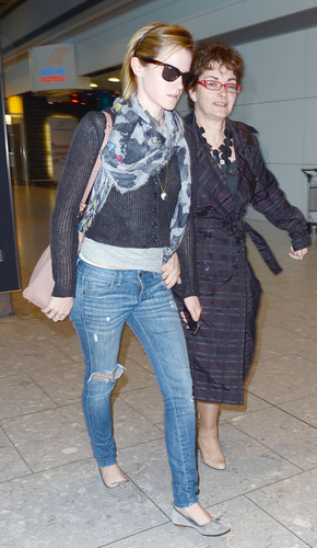 Heathrow Airport, Luân Đôn - 15 June, 2012 - HQ