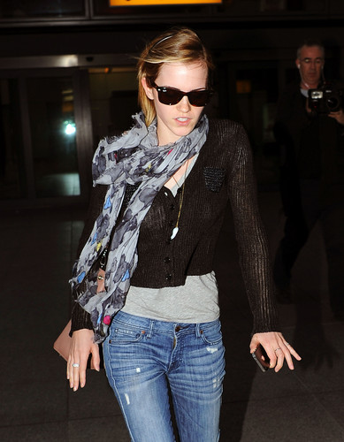 Emma Watson Hintergrund containing sunglasses called Heathrow Airport, London - 15 June, 2012 - HQ