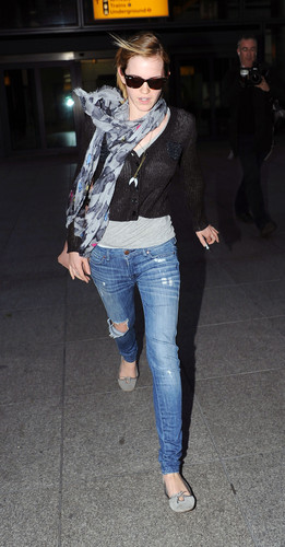 Heathrow Airport, Londra - 15 June, 2012 - HQ