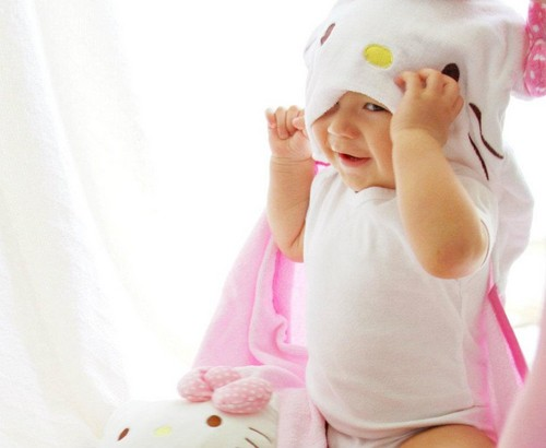 Hello Kitty Wallpaper With A Neonate Titled Baby