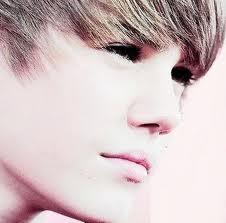 His Eyes ! <3 Bieber!