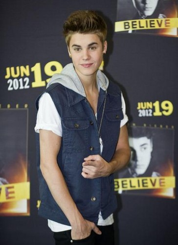 JB 2012 - justin-bieber Photo