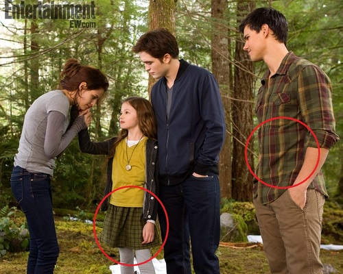 Jacob and Renesmee -~- Matching Outfits!  - twilight-series Photo