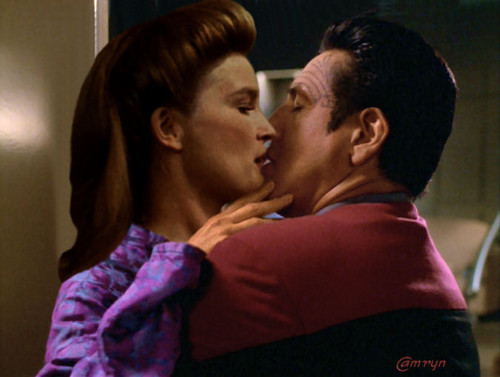 seven of nine and chakotay relationship trust